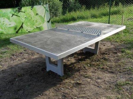 stol do tenisa